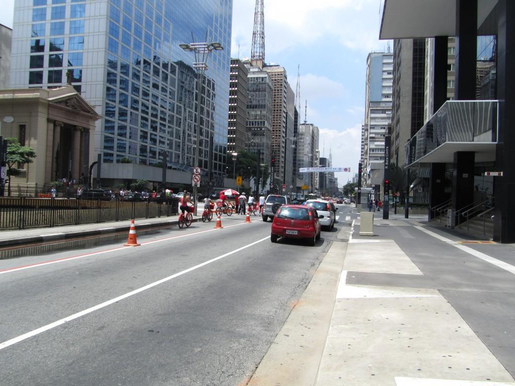 Fahrradfahrer / Sonntagsfahrer auf der Avenida Paulista
